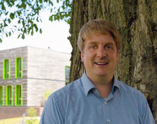 Marcus Kühling ist Referent für öffentlichkeitsarbeit und leitet den Bereich Wald und Holz bei der Fachagentur Nachwachsende Rohstoffe e. V. (FNR). Foto: W. Stelter/FNR