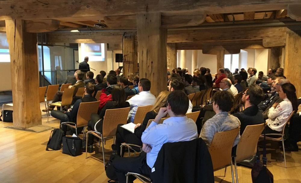 Aktuelle Themen an historischem Ort: Holz als neuer Werkstoff im Regensburger Salzstadel