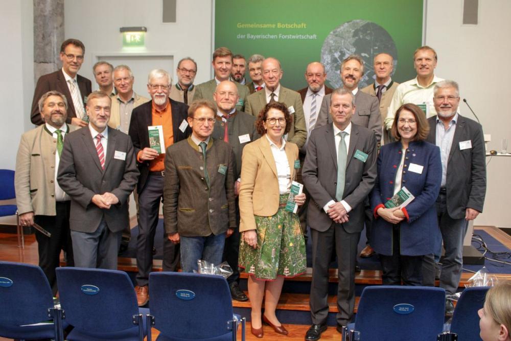 Waldtag Bayern in Nürnberg: Bayerische Wälder sind unverzichtbare Lebensgrundlage