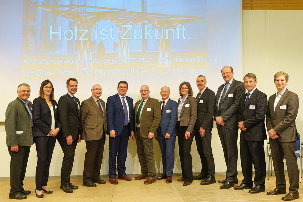 Namhafte Referenten bereicherten die Veranstaltung Holz - Quelle einer nachhaltigen Bioökonomie