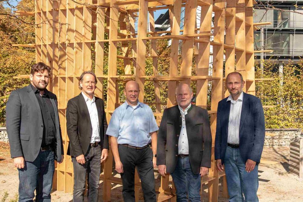 Holzbau in Bestandsgebäuden - Energetische Ertüchtigung und gestalterische Aufwertung